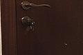 Cómo abrir la puerta con la llave puesta por dentro