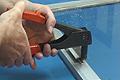 Cómo usar la remachadora manual. Quitar y poner remaches de aluminio