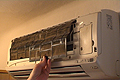Limpiar los filtros y la carcasa del aire acondicionado